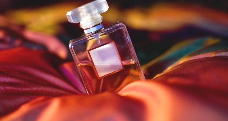 Сохраняем аромат духов как можно дольше