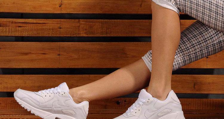 Модные женские кроссовки оптом
